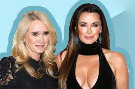 kyle richards needs to cut her hair see kyle and kim richards throwback photo with 90s hair lookbook