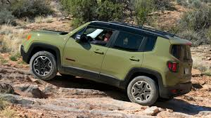 2015 jeep renegade autoblog crawling moab in the 2015 jeep renegade trailhawk w video autoblog