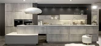 choisir un cuisiniste cuisine haut de gamme l aménagement cuisine connecté