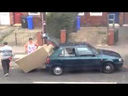 transport canapé transporter un canapé n est pas facile