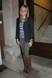 what color goes with gray pants best 25 olive jeans ideas on pinterest olive green pants olive