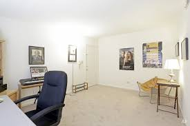 1 Bedroom Apartments Champaign Il Garden Court Apartments Champaign Il Apartment Finder