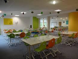 cuisine scolaire cuisine restaurant scolaire maternelle avec chaise appui sur
