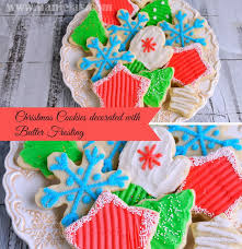 haniela u0027s christmas cookies decorated with butter frosting