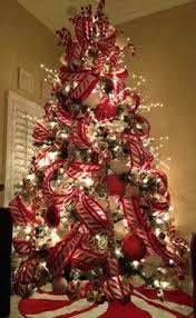 Pics Of Decorated Christmas Trees Make The Transition From Thanksgiving To Christmas In Style The