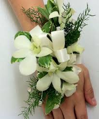 corsage and boutonniere for homecoming homecoming in albuquerque means corsages and boutonnieres