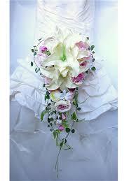 fleur artificielle mariage bouquet de mariée en cascade lis blanc cassé pâle
