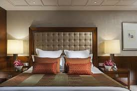 Spacious Design by Luxury Accommodations In Central Mandarin Oriental Hong Kong