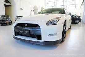nissan gtr black edition white 2014 nissan gt r black edition classic throttle shop