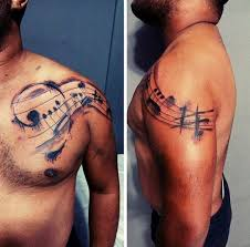 aquarell musik hinweis mens schulter und brust