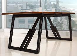 bureau en merisier table de bureau en merisier massif de ligne contemporaine piétement