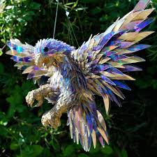 sean avery u0027s mesmerizing animal sculptures made from cd fragments