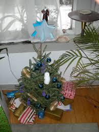 file chrismukkah tree 3135854337 jpg wikimedia commons