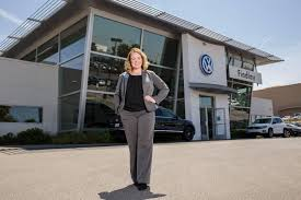lexus is300 for sale alberta new findlay volkswagen henderson general manager thrives on the