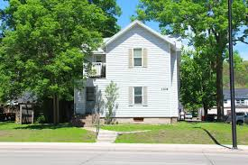 One Bedroom Apartments Eau Claire Wi 1109 S Farwell St Apartment 2 Uwec Student Apartment 610 5th Ave