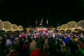 a country christmas at gaylord opryland returns with 2 3 million