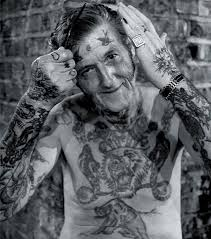 les plus beaux tatouages homme 25 photos qui prouvent que les tatouages ne vieillissent pas avec