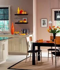 peinture orange cuisine design interieur peinture cuisine couleur discrète accents jaune