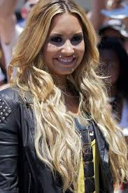 demi lovato hair extensions superlong and superblond hair extensions and extensions