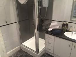 Shower Doors Brton Cracking B B Stayed One When Visiting Family And Gill The