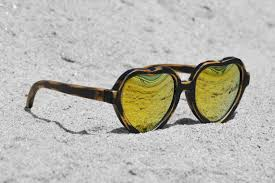 heartbreakers black sand pure gold kynd eyewear