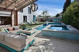 canapé exterieur palette salon de jardin palette les cabanes de jardin abri de