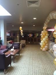 wedding balloon arches uk die 285 besten bilder zu wedding chair covers balloons auf