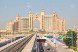 atlantis hotel monorail to the hotel atlantis at the palm jumeirah in dubai stock