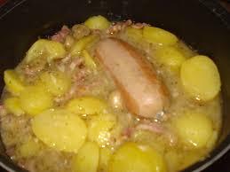 cuisiner des saucisses une blanquette de saucisse fumée et pommes de terre