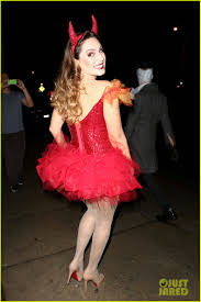 kelly brook shows off her horns for halloween party photo 3231934