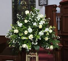 church flower arrangements large wedding flower arrangements 1000 ideas about church
