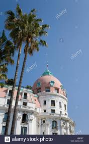 négresco hotel luxury hotel palm trees promenade des anglais