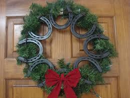 horseshoe wreath western christmas wreaths made using horseshoes