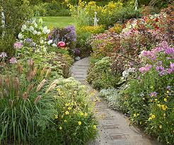 Ideas For Garden Walkways Garden Path Ideas Mixed Material Walkways