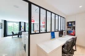 la cuisine dans le bain une cuisine blanche qui a de l sk concept la cuisine dans le