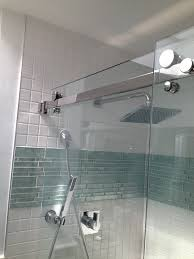 accent band just above center and is that a shower version of a