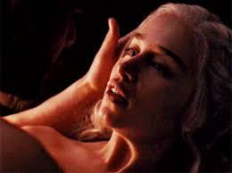Sexual Intercourse Gif - daenerys targaryen s hair during intercourse scene hifow quick