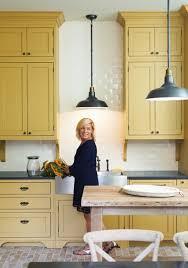 Coloured Kitchen Cabinets Best 25 Mustard Yellow Kitchens Ideas On Pinterest Teal Kitchen