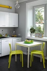 cuisine mur vert pomme peinture cuisine et combinaisons de couleurs en 57 idées