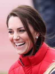kate middleton diamond earrings kate middleton diamond studs kate middleton looks stylebistro
