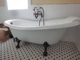 1900 farmhouse clawfoot tub u0026 fixtures
