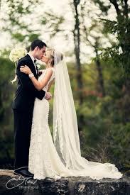 long lace veil outdoorwedding backyardwedding rustic chic