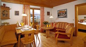 Wandbilder Landhausstil Wohnzimmer Funvit Com Badezimmerfliesen Wand Grau