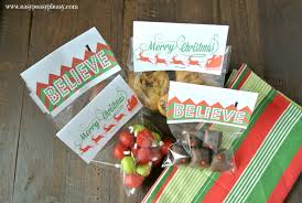 christmas goody bags 3 free printable christmas treat bag toppers easy peasy pleasy