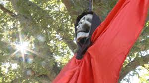 spirit halloween mobile al hauntly halloween decor how gruesome is too gruesome whnt com