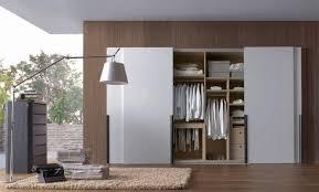 armoire chambre armoire de chambre penderie ou dressing comment choisir
