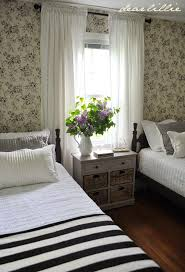 Dear Lillie Lillie and Lolas Old Fashioned New England Bedroom