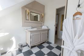 chambre d hote de charme blois la chambre triangle la perluette chambres d hôtes de charme à blois