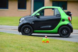 renault twizy vs smart fortwo smart fortwo cabriolet electric drive review greencarguide co uk