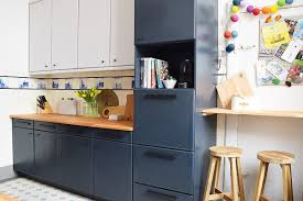 best laminate kitchen cupboard paint how to paint laminate kitchen cabinets tips for a